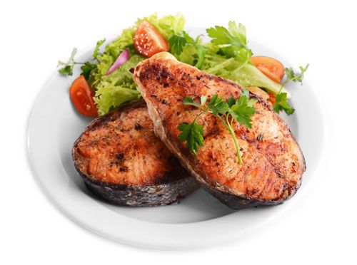 chicken served with fresh vegetables